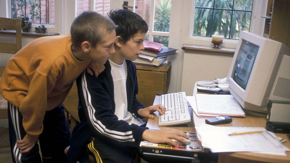 El programa Piso Tecnológico busca equipar a los establecimientos educativos.