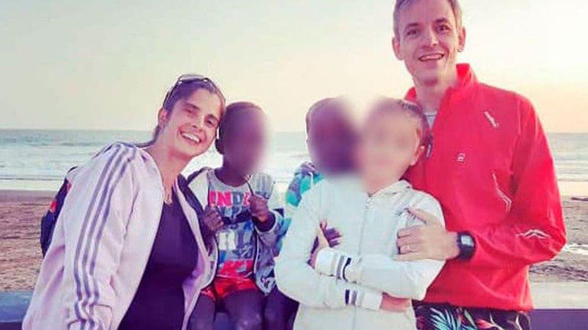 La justicia investiga ahora si hombre que los adoptó puede ser acusado por el delito de incumplimiento de los deberes de asistencia familiar y un posible fraude a la Ley de Migraciones.