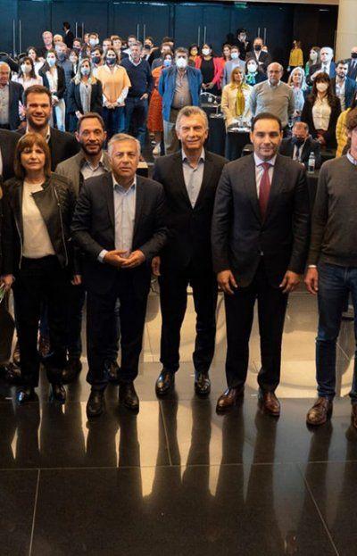 Los principales referentes de Juntos por el Cambio se reunieron este martes en Buenos Aires para dialogar sobre la estrategia electoral de cara a las generales de noviembre.