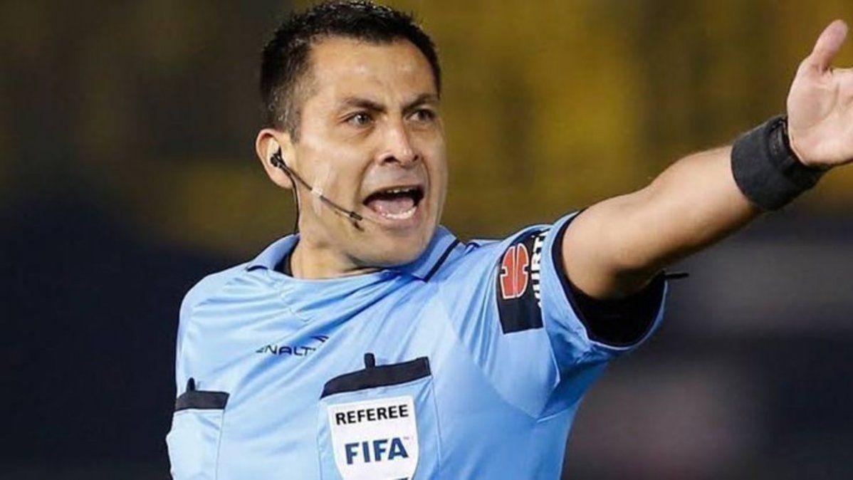 El árbitro del encuentro entre Perú y Brasil por Eliminatorias tuvo decisiones muy polémicas.