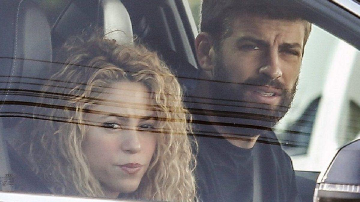 La discusión se produjo cuando Shakira y Piqué estaban haciendo surf en las playas españolas. El duro comunicado de una entidad que nuclea a fotógrafos.