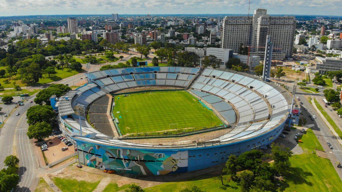Conmebol anunció que el Estadio Centenario de Uruguay albergará las finales de la Copa Libertadores y la Copa Sudamericana.