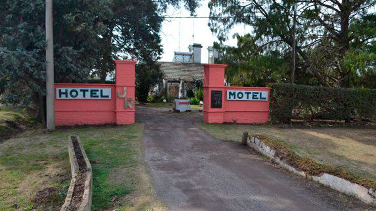 JR es el motel de Firmat que podría convertirse en el primer Museo del Sexo del país.