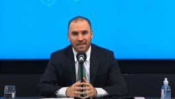 Mediante una conferencia de prensa, ministro de Economía, Martín Guzmán las medidas tienen como objetivo impulsar la actividad económica, ordenar las cuentas y darle al país condiciones de estabilidad.