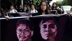 Myanmar viven momentos de tensión luego del golpe militar y las fuerzas de seguridad incrementan la represión. Hay al menos dos manifestantes que fallecieron y desapareció un periodista.