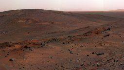 Desde que aterrizó en el Cráter Gale en 2012, Curiosity ha estado ascendiendo al Monte Sharp en busca de condiciones que alguna vez pudieron haber albergado vida.