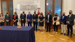 Los cambios en el gabinete de Omar Perotti se formalizan este lunes: Roberto Suckerman asumió como ministro de Gobierno, Marcos Corach como ministro de Gestión Pública y Juan Manuel Pusinieri como ministro de Trabajo.