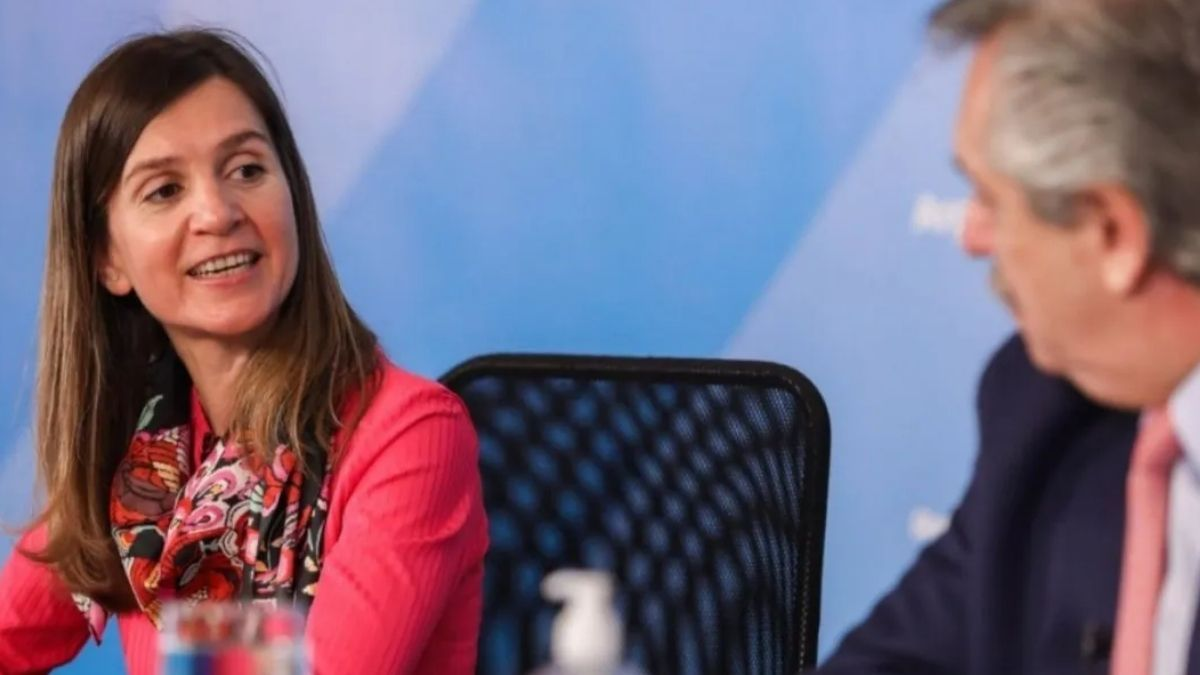 Fernanda Raverta, titular de Anes junto al presidente Alberto Fernández.