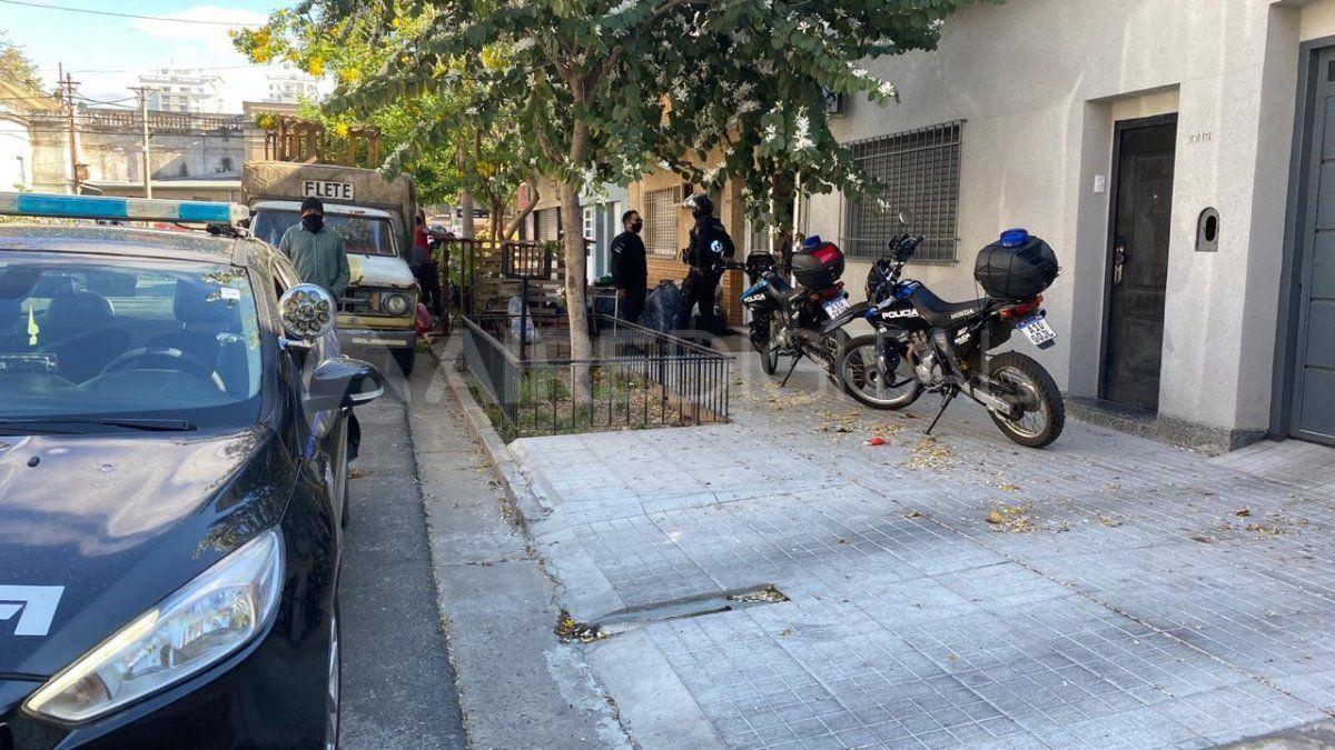 Personal de la Motorizada intervino al momento de desalojar a los ocupantes que habían violentado la vivienda.