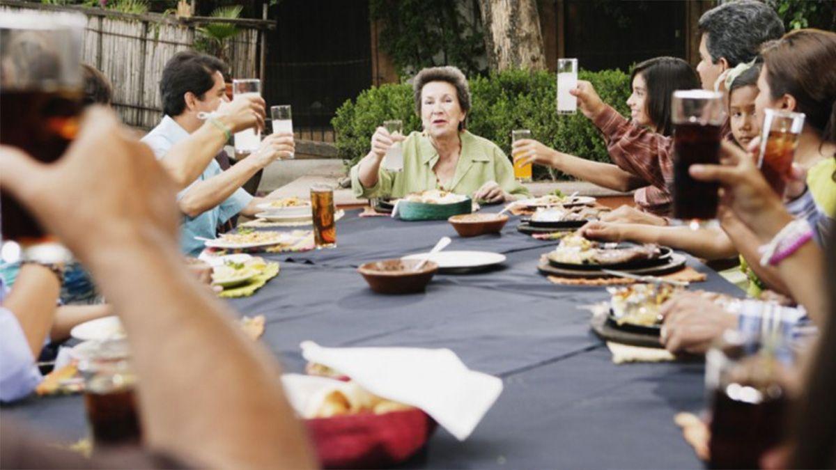 Ante el incremento de casos que se registraron el gobierno dispuso la suspensión de las reuniones familiares y sociales.