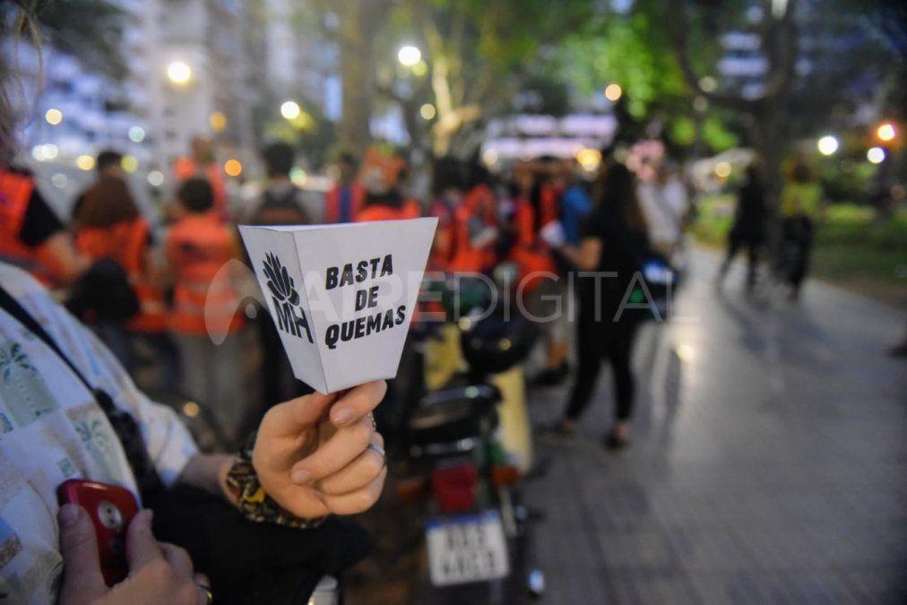 La ciudad de Rosario es escenario de constantes protestas contra los incendios que se vienen registrando durante gran parte de este año debido a la histórica sequía y en reclamo de una ley nacional de humedales.