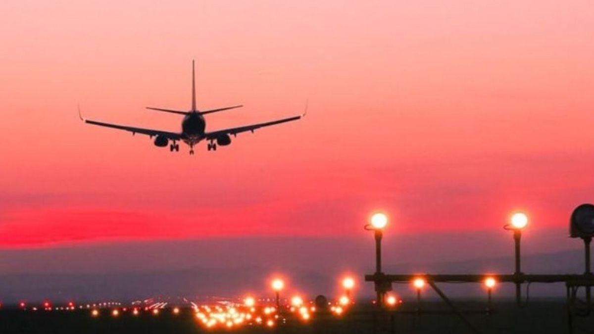 Regalan 21 mil pasajes de avión a los docentes para volar a cualquier destino del mundo