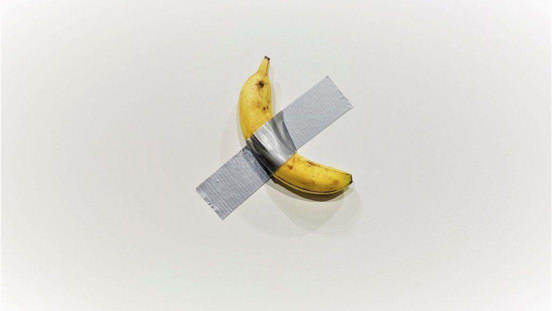 ¿Esto es real? Exponen una banana de 120.000 dólares en una galería de arte