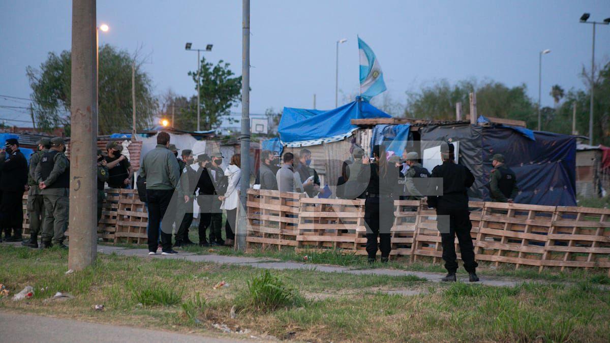 Iniciaron el diálogo y la negociación con las familias que usurpan los terrenos en el norte de la ciudad.
