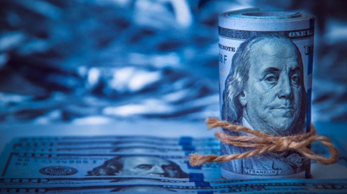 El dólar paralelo anotó una fuerte baja en el inicio de lasemana.