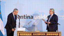 El presidente Alberto Fernández tomó juramento este jueves a Jorge Ferraresi en una ceremonia de la participaron otros integrantes del Gabinete nacional.