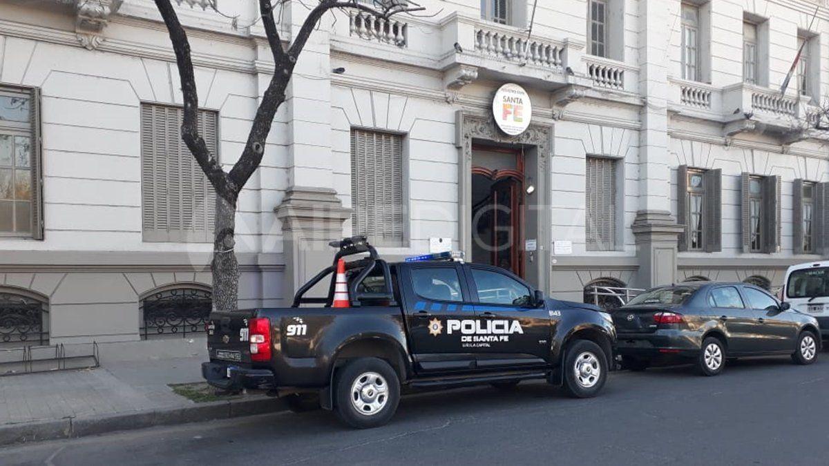 El Registro Civil de Santa Fe desinfectó la oficina de indentificaciones este martes luego de activarse el protocolo covid.