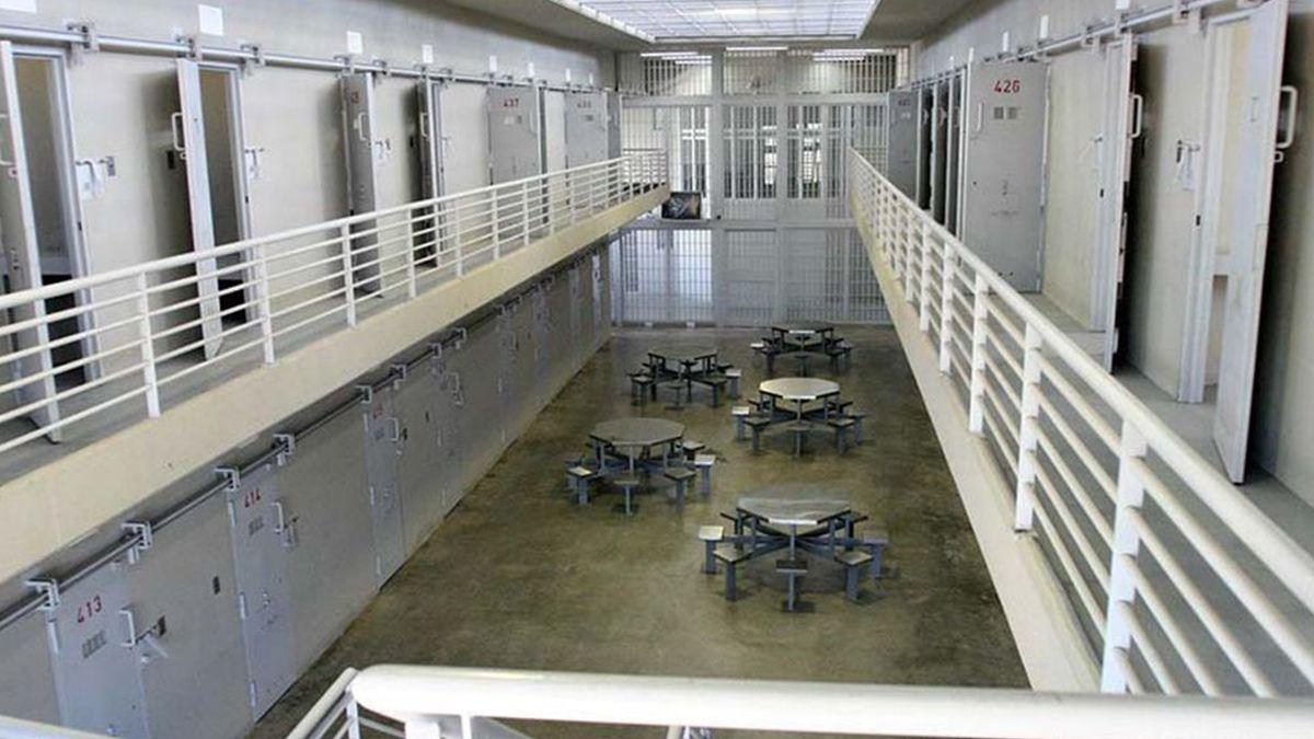Vista interna de uno de los pabellones de la Cárcel de Piñero