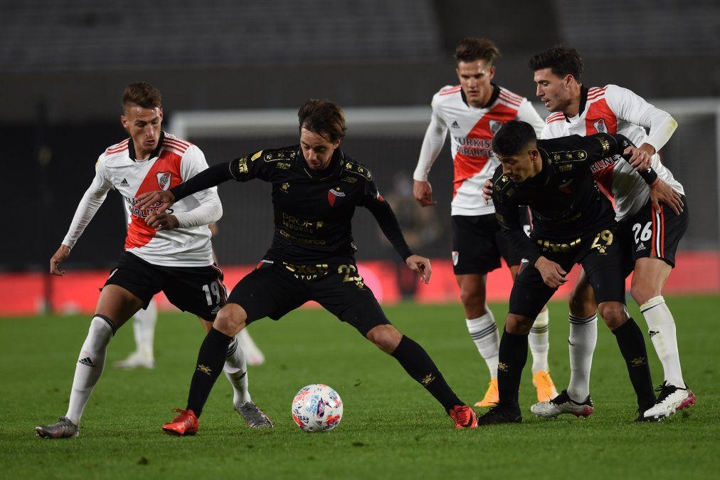 Colón recibe a Lanús por la segunda fecha del Torneo de la Liga Profesional y el encuentro será transmitido por la Televisión Pública.