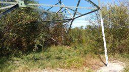 La Empresa Provincial de la Energía (EPE) constató actos de vandalismo sobre otra estructura metálica que sostiene la línea de alta tensión de 132 kV y vincula las estaciones Santo Tomé y Puerto de Santa Fe.