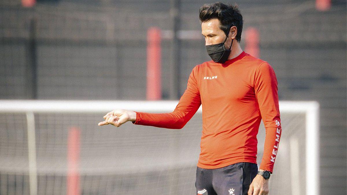 Eduardo Domínguez entregó la lista de convocados de Colón para jugar ante Defensa y Justicia por la Liga Profesional de Fútbol.