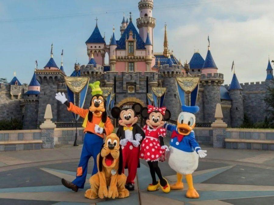 Disney despedirá a 28 mil empleados de sus parques de diversiones