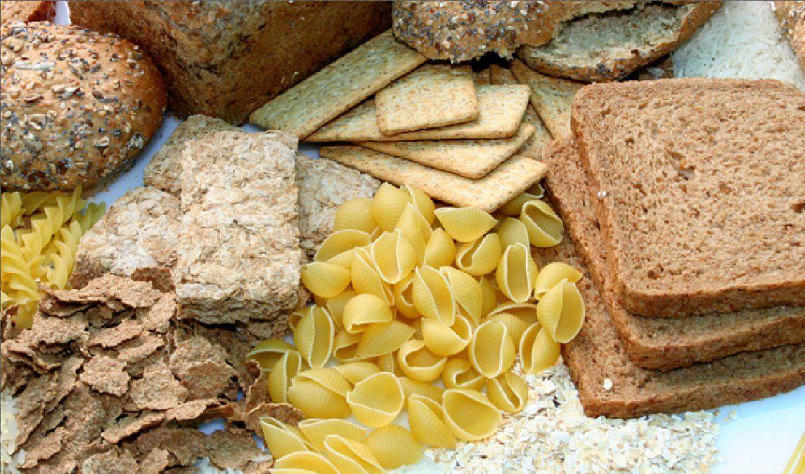 Lo que diferencia un cereal integral de un cereal refinado es su composición