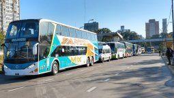 El ministro de Transporte, Mario Meoni anunció este miércoles oficialmente el retorno de los colectivos de larga distancias y de los vuelos regulares a partir de la publicación de la respectiva resolución, lo que se estará concretando a más tardar el viernes.