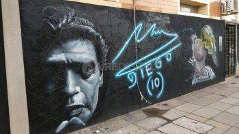 Maradona suma homenajes en Santa Fe