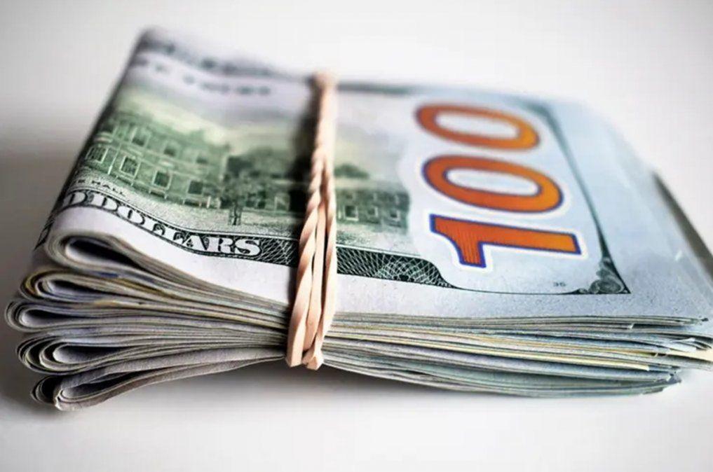 El Blue se desinfla a $144 y se vende casi $14 menos que el dólar ahorro