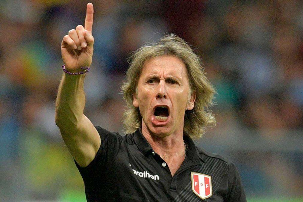 Ricardo Gareca seguirá siendo entrenador de la selección de Perú