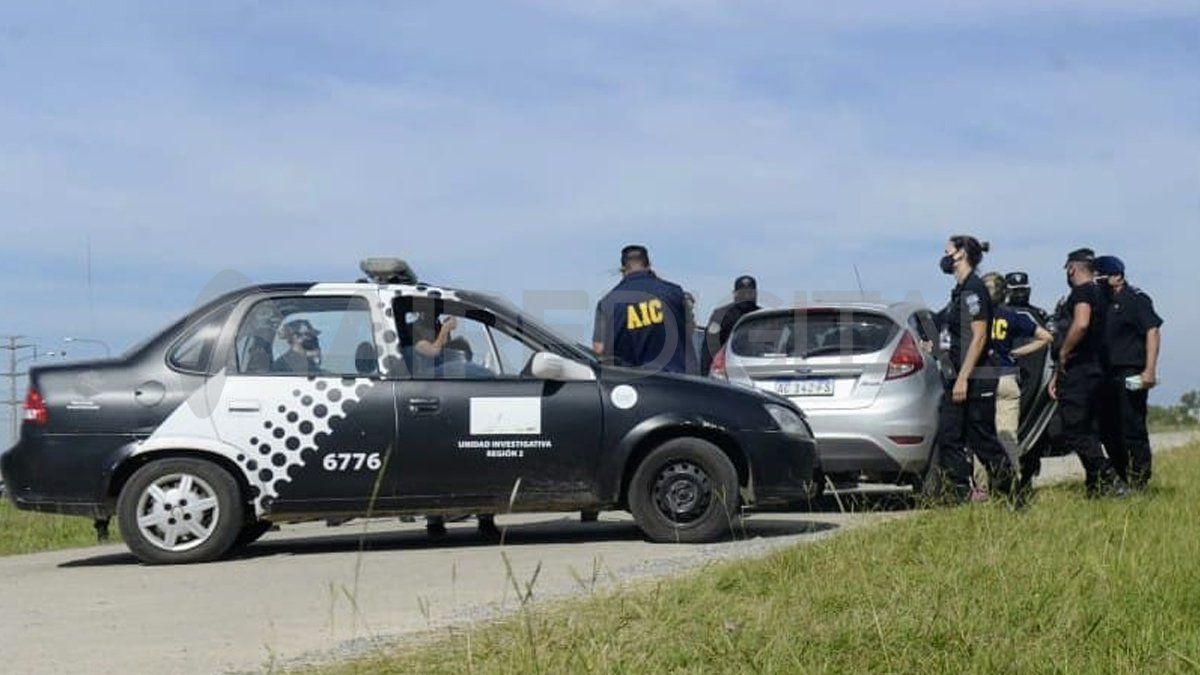 Rosario: hallaron un cadáver maniatado y con una bolsa en la cabeza dentro de un auto