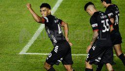 Rafael Delgado sufrió la rotura de meniscos externos de la rodilla izquierda, pero tiene chances de continuar jugando porque no manifiesta dolor.