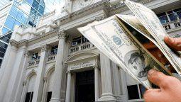 El presidente del Banco Central, Miguel Ángel Pesce, subrayóhoy que la entidad ya logró recomprar todos los dólares que se vendieron a lolargo del año pasado para atender a la demanda.