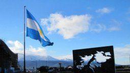La reunión del Consejo, que estará presidida por el propio Fernández, contará con representantes de la oposición política parlamentaria, del mundo académico y jurídico, de la provincia de Tierra del Fuego y de los excombatientes.