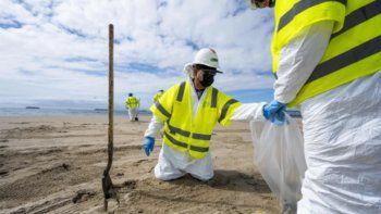 Se derramaron casi 500.000 litros de petróleo en California por rotura de oleoducto
