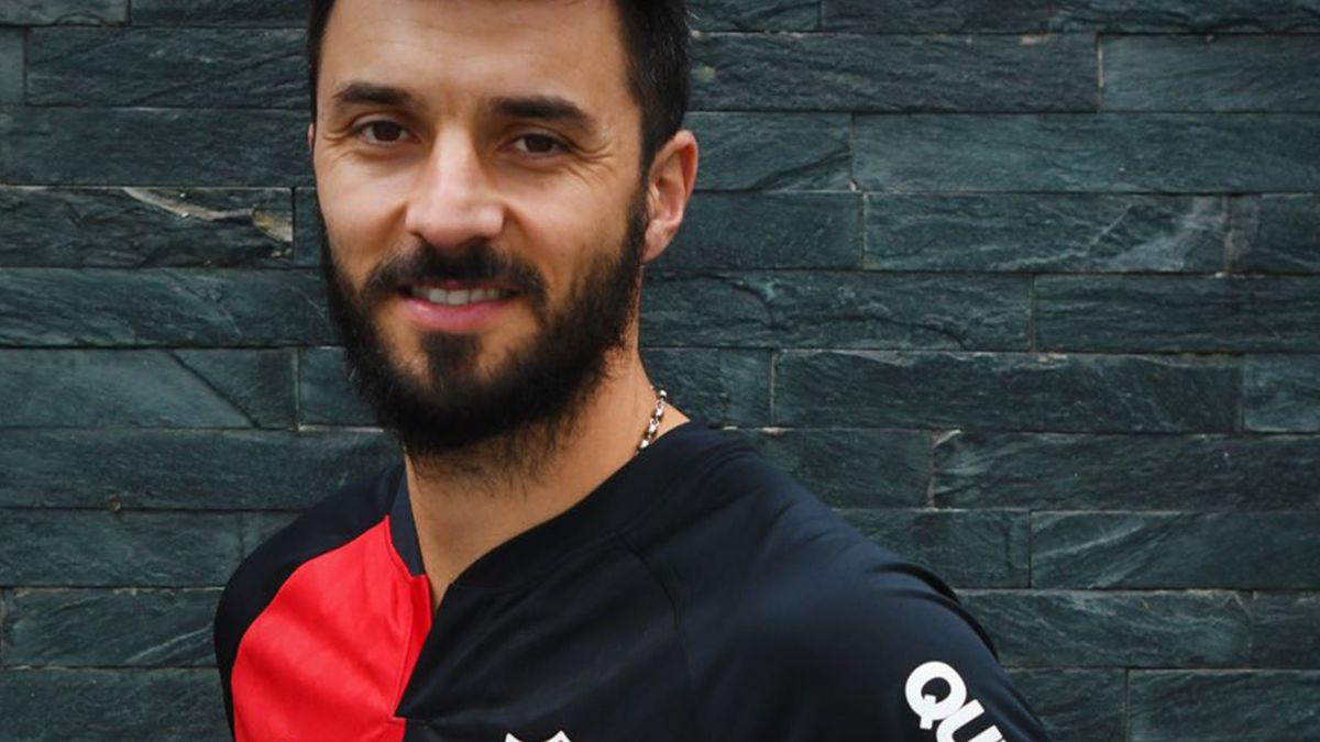 El delantero de 35 años tendrá su cuarta etapa en el club rosarino.