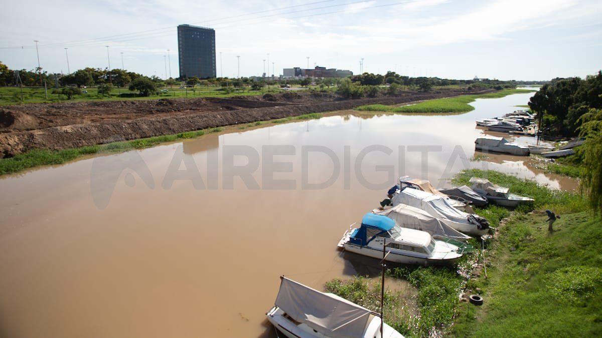 El Municipio estima que el movimiento de suelo no autorizado afectó un área de 400 metros de largo.