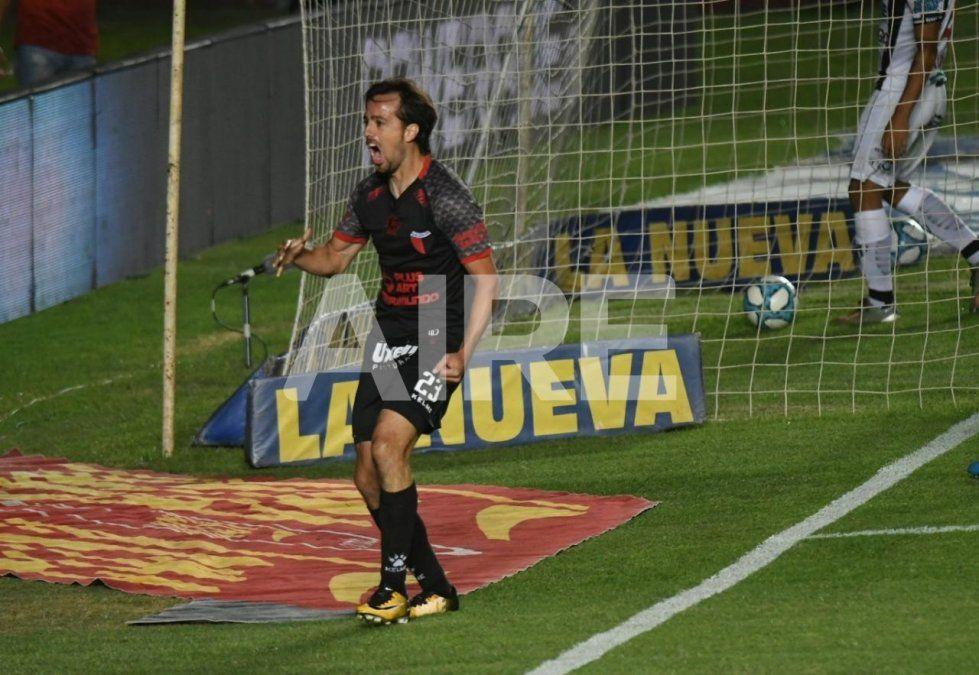 Christian Bernardi es una de las figuras de Colón en la Copa Diego Maradona y puede continuar su carrera en México.