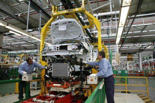 Según UIA la industria se derrumbó casi 11% en diciembre