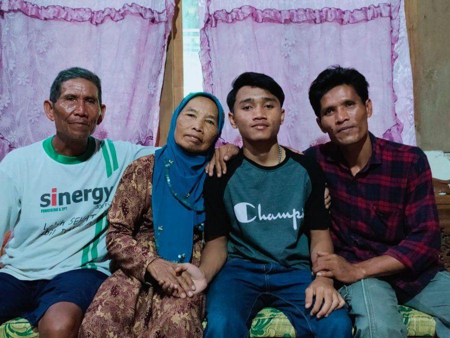 Estuvo secuestrado por 11 años y gracias a Google Maps se reencontró con su familia