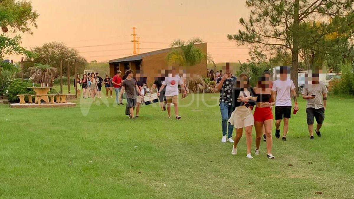 Descontrol navideño en Rincón: casi 500 personas en dos fiestas clandestinas