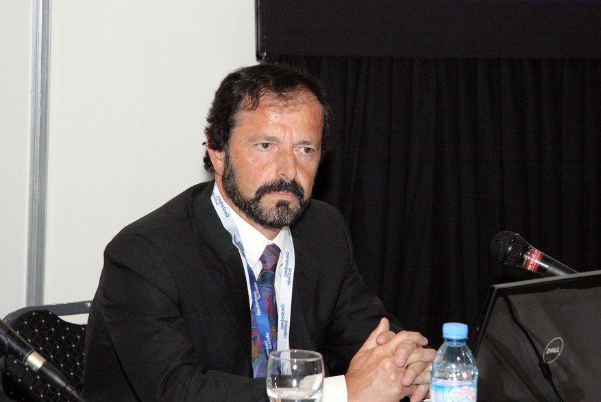 Carlos Querinitrabaja en el área de la catálisis aplicada.