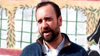 El padre Matías Camussi desmejoró, por lo que debió ser internado en la Terapia Intensiva del sanatorio privado donde está internado desde el jueves al mediodía.
