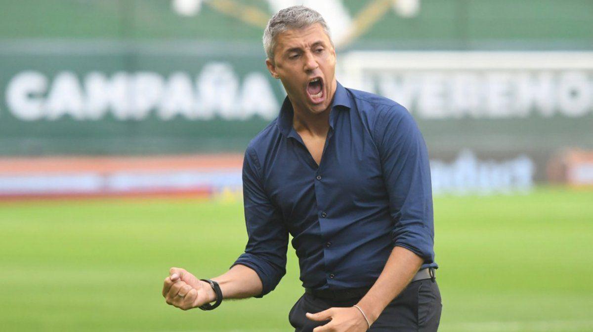 Crespo dejó su cargo como entrenador de San Pablo