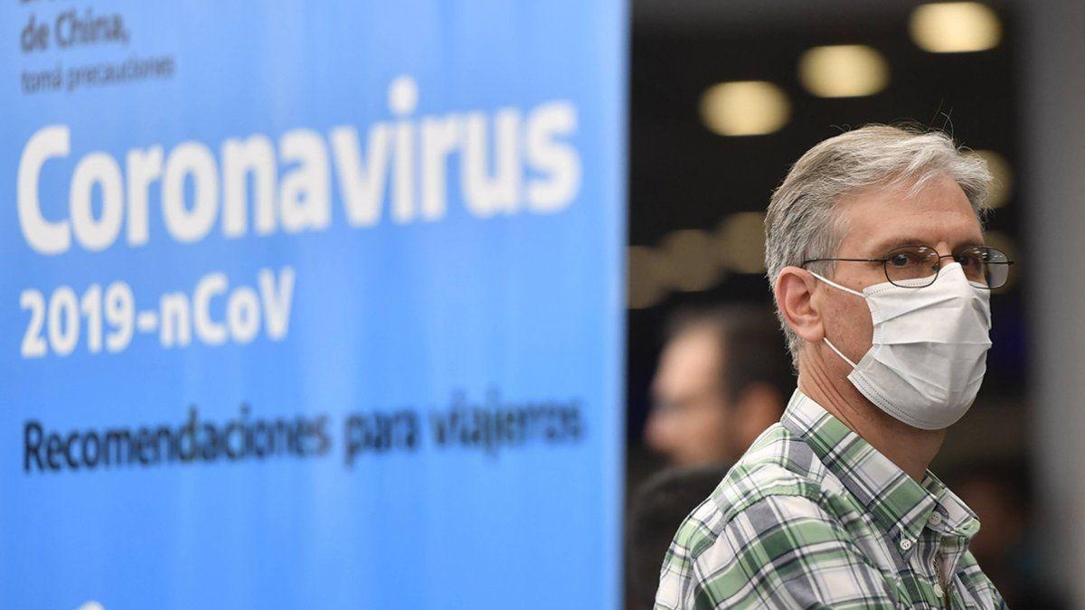 Entre los síntomas más comunes de Covid-19 presentados por los pacientes