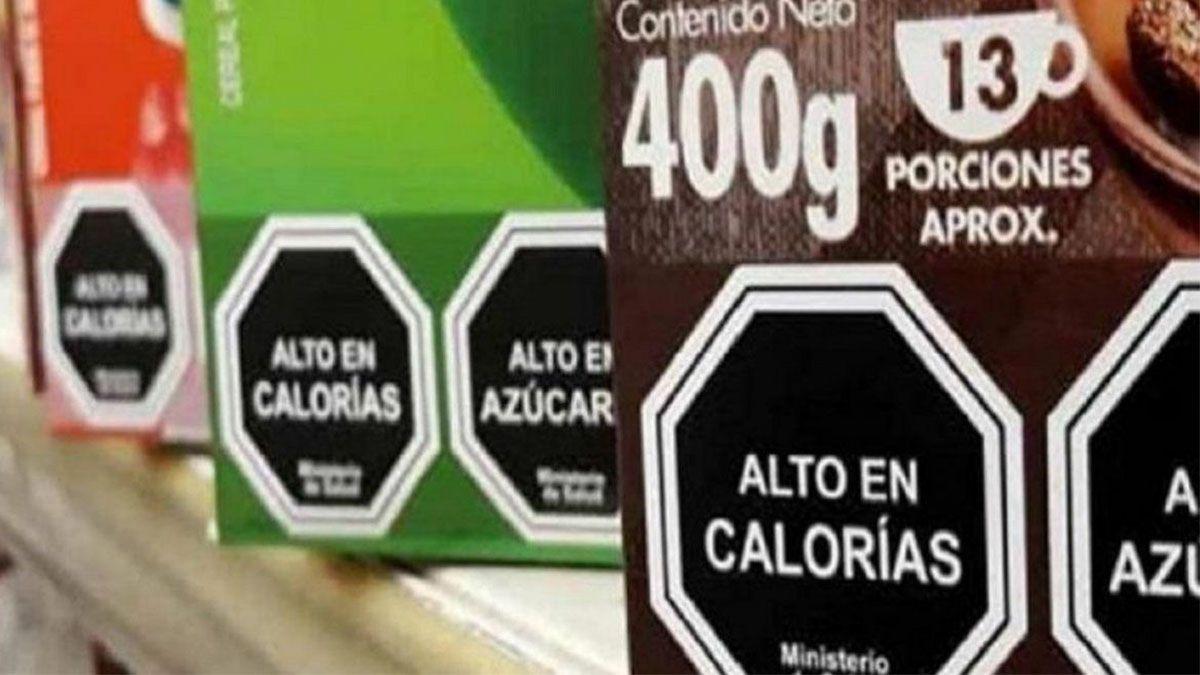 El objetivo es advertir y prevenir a la población sobre los riesgos a la salud que implica la ingesta de determinados alimentos y bebidas