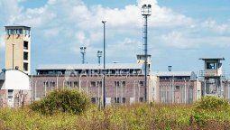 La Secretaría de Asuntos Penitenciarios resolvió, por el término de 15 días, prohibir el consumo de mate por parte de los trabajadores del servicio penitenciario en todas las unidades penales de la provincia.