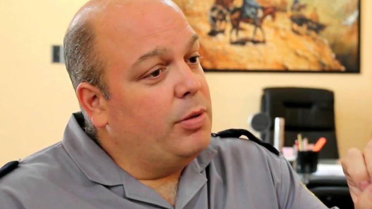 Se le atribuye a Andriozzi haber participado en el hecho por el cual funcionarios públicos policiales dispusieron que personal de la Policía lleve a cabo tareas de vigilancia de carteles de campaña del senador Traferri en las elecciones de 2017.