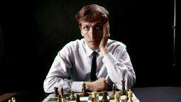 Bobby Fischer, un genio que no pudo manejar su propia brillantez y pasó de ser un héroe nacional de Estados Unidos a un enemigo público por sus dichos.